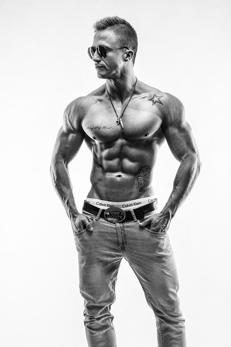 muscular guys are more attractive to girls