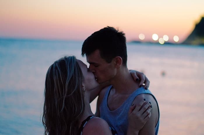 example of a girl kissing her boyfriend