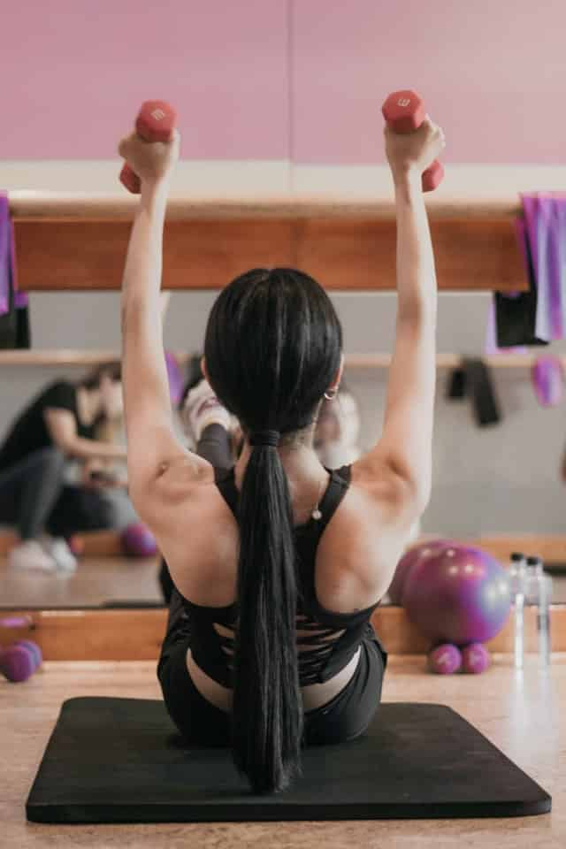 Being fit gives you a chance to have many conversation with other fit girls at the gym